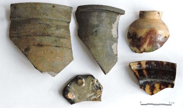 При благоустройстве столичных улиц археологи обнаружили чайную