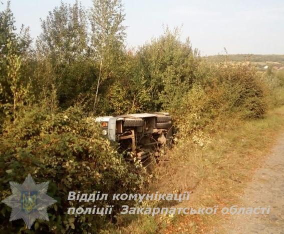 НаЗакарпатье автобус слетел вкювет: есть пострадавшие