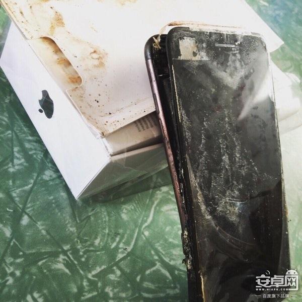 Взорвался 1-ый iPhone 7— нетолько лишь Самсунг