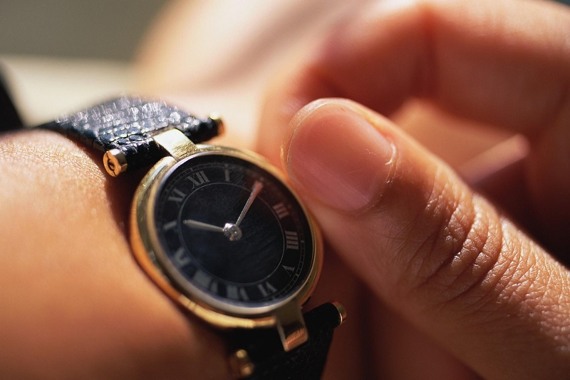 Дарить часы: можно или нельзя по приметам