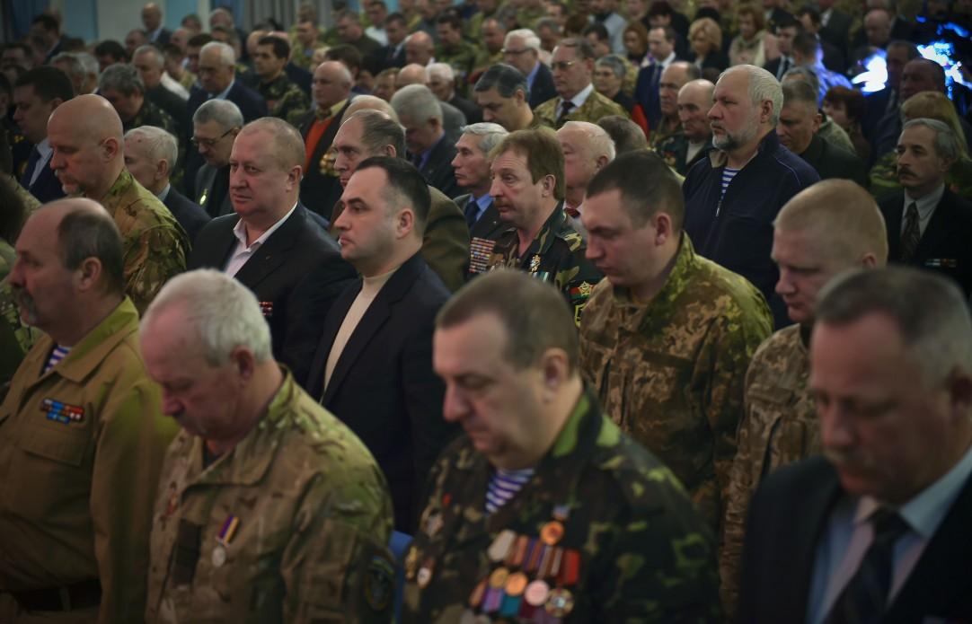 Порошенко удостоил государственных наград 63 участников Революции достоинства