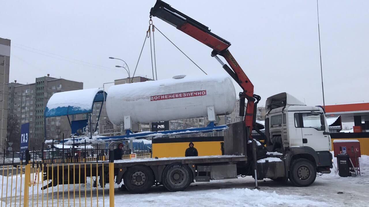 ВКиеве напротяжении месяца пропадут все нелегальные газовые заправки