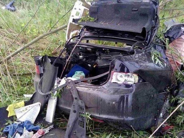 ВКиевской области автомобиль вылетел вкювет, три человека погибли