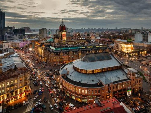 Куда пойти в Киеве на выходные 10-11 февраля: забег влюбленных, праздник шоколада и вечер любви картинки