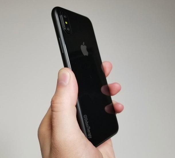 Продажи iPhone 7 упали доминимума