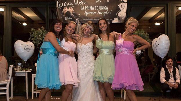 Итальянка на40-летие вышла замуж сама засебя