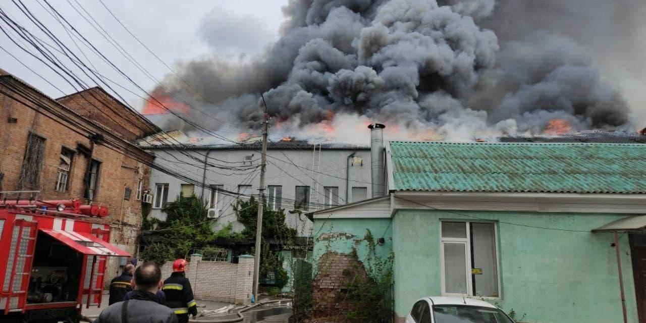 В Виннице горел офисный центр, есть погибшие