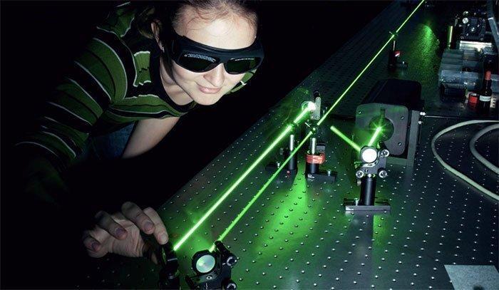 Лазеры помогли ускорить интернет