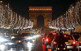 Париж ожил