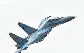 Порошенко  полетал на борту истребителя-бомбардировщика Су-27. Фото АП