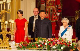 Кейт Миддлтон в тиаре и красном платье очаровала мир. Фото PA