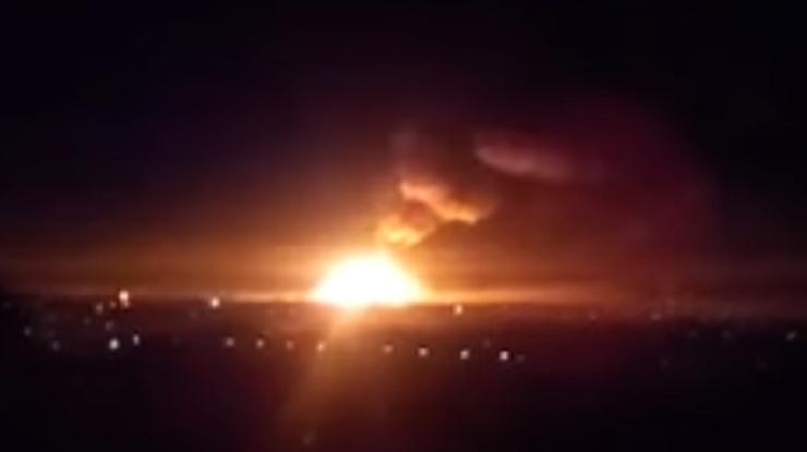 НаЛуганщине пламенеют склады боеприпасов
