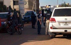 В столице Мали боевики захватили отель. Twitter