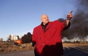 Скандалист Стас Барецкий сжег свой BMW. Фото fontanka.ru