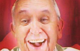 Папа Римский тоже любит селфи, как оказалось