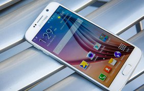 Один из лучших Android-смартфонов от Samsung - Galaxy S6. Металлический корпус, мощная аппаратная начинка и превосходный дизайн.