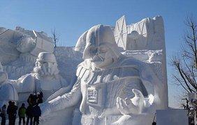 Гигантские снежные штурмовики в Японии 3