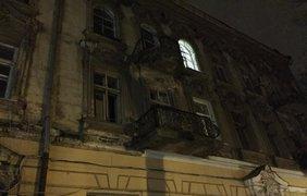 От взрывной волны вылетели окна в самом доме и во дворе 4
