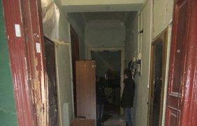От взрывной волны вылетели окна в самом доме и во дворе 8