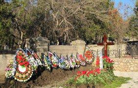 Сына Януковича похоронили в Севастополе