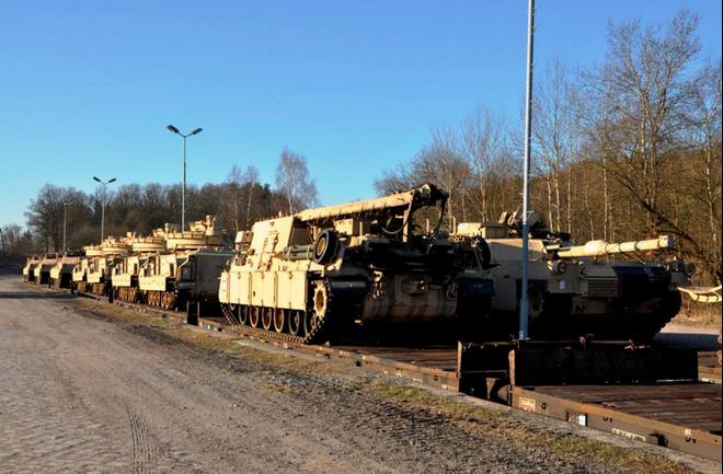 Почему американские войска идут на Россию, и зачем это нужно Польше?