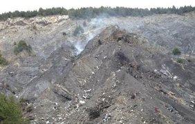 Спасатели обнаружили обломки А320 и черный ящик. фото - Le Dauphine