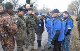 Украина отводит технику под присмотром ОБСЕ