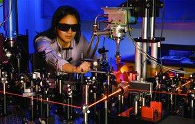 Эксперимент c инфракрасным лазером в военной лаборатории в Адельфи
