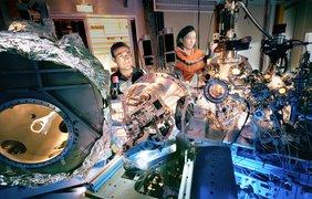 Экспериментальная установка по изучению магнетизма в сверхвысоком вакууме в исследовательском комплексе синхротронного излучения третьего поколения, расположенная в Гренобле, Франция.