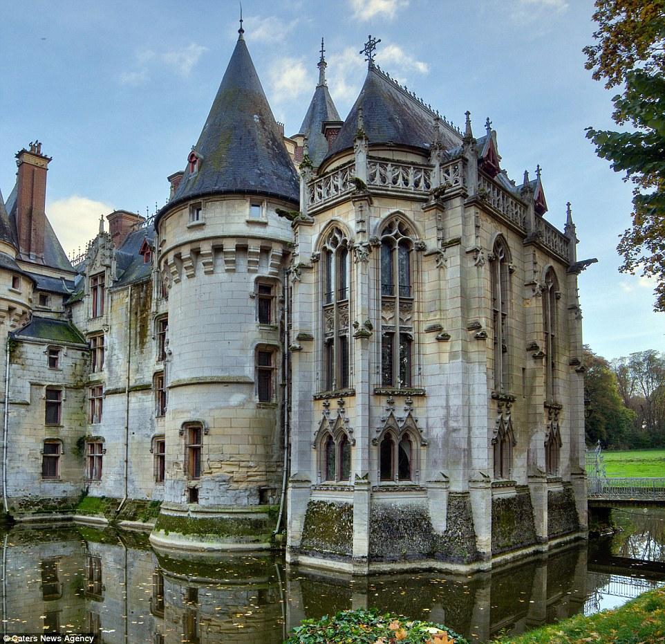 фото замков особняков правилам проекта