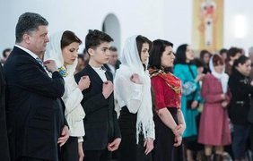 Семье Порошенко в храмах Киева