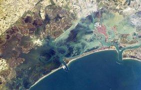 Узкая полоска суши защищает Венецию от штормов в Средиземном море