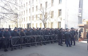 Правоохранители заблокировали походы к Администрации президента