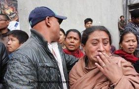 Малышу удалось избежать травм, его состояние стабильно. фото - Katmandu Today