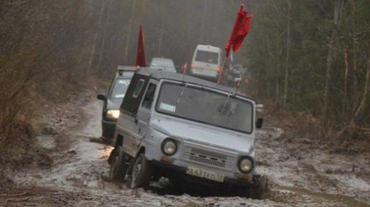 машины по грязи видео: