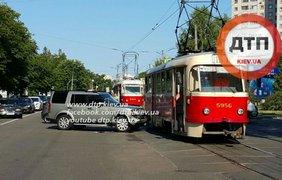 ДТП парализовало движение трамваев