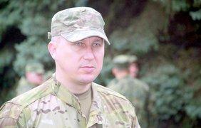 Глава милиции Донецкой области Вячеслав Амбоськин провел смотр.