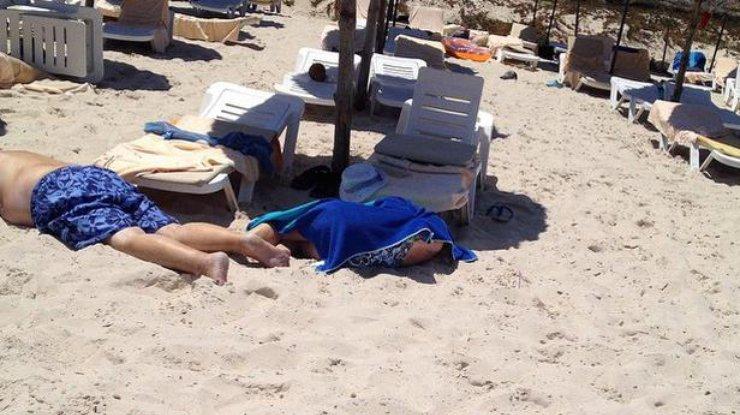 Россияне просились на заплыв на пляже где лежали тела убитых