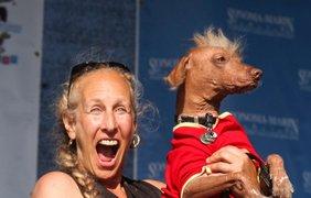 Рона Тау со своей собакой по кличке Моррис