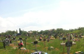 Безымянные могилы в Донецке