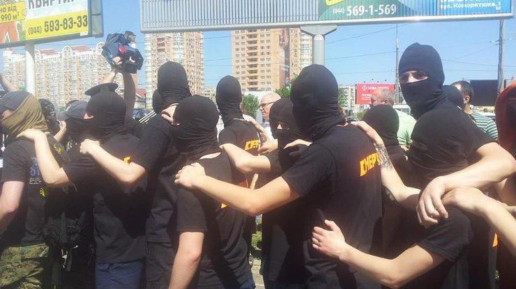 «Смерч» рубится с титушнёй в Киеве