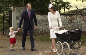 Герцог и герцогиня Кембриджские вместе с детьми