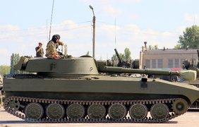 Порошенко передаст армии 170 единиц техники. Фото Минобороны