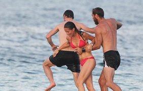 Пиппа Мидлтон резвится на пляже. Фото splash news