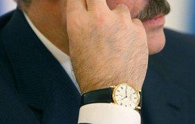 Президент Беларуси Александр Лукашенко с часами за 17 тысяч долларов