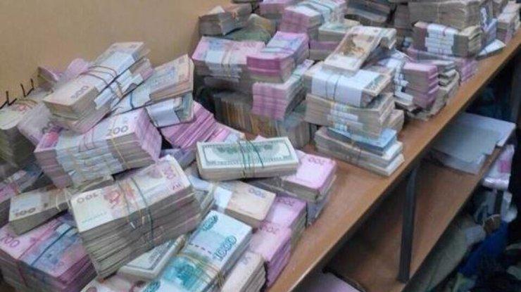 В Киеве накрыли нелегальные обменники