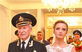 84-летний актер со своей ученицей. Фото super.ru