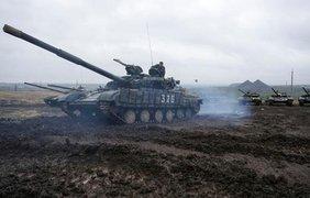 Близ Донецка боевики скопили большое количество бронетехники