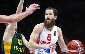 Испанцы стали трехкратными чемпионами Европы