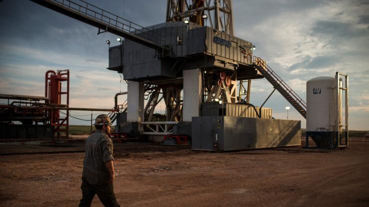 Нефть начала падение после непродолжительного роста